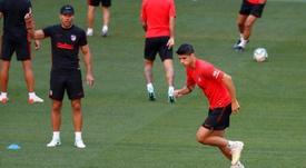 Morata estuvo presente en el entreno del Atlético de Madrid. EFE