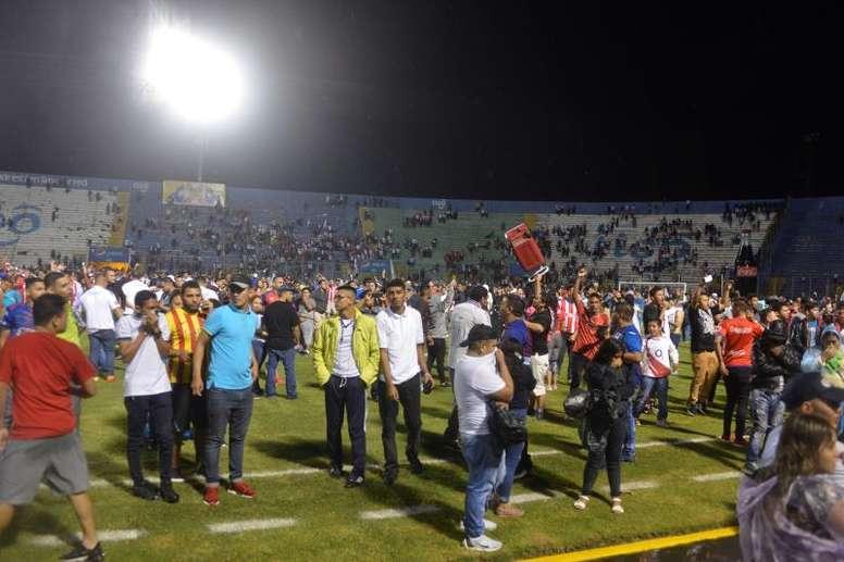 Buscan explicación al terrible lío del fútbol hondureño. EFE