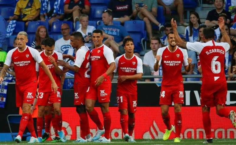 Nolito y el Sevilla, protagonistas ante un Espanyol impotente. EFE
