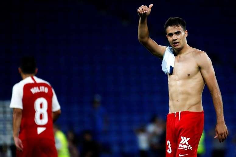 Sergio Reguilón, con la mente puesta en triunfar en el Sevilla. EFE