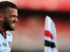 Verón quer Daniel Alves no Estudiantes. EFE
