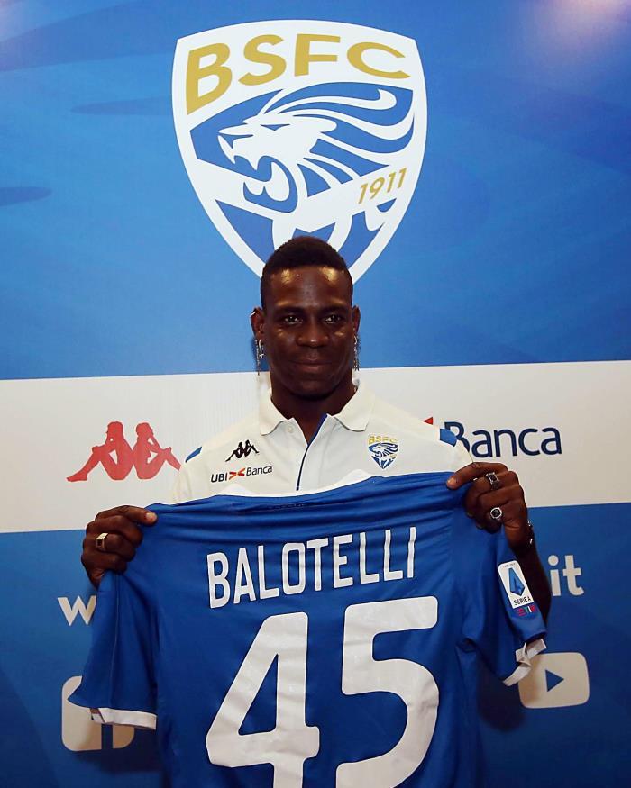 Balotelli é apresentado no Brescia. EFE