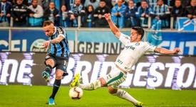 Everton Cebolinha segue interessando ao Everton e ao Dortmund para próxima janela. EFE/Silvio Ávila