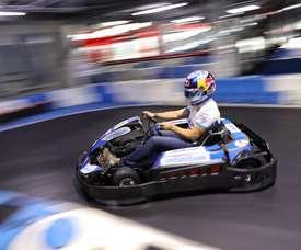 El piloto mexicano Guillermo Memo Rojas, participa hoy miércoles durante una carrera de exhibición en Ciudad de México (México). EFE/Sáshenka Gutiérrez