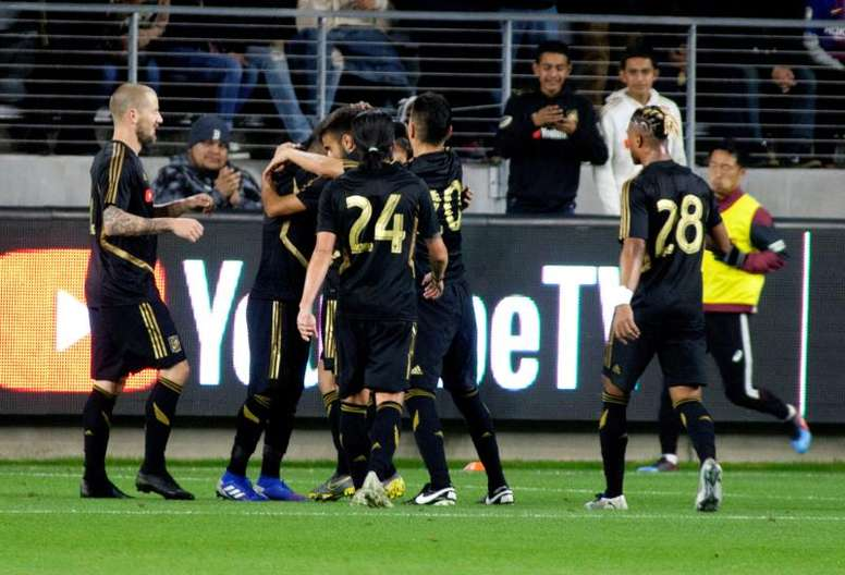 MLS Review: Rooney sent off as Vela leads LAFC rout. EFE