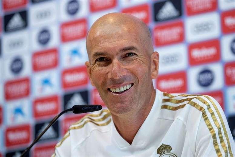 Zidane dejó abierta la posibilidad de que lleguen nuevos fichajes. EFE