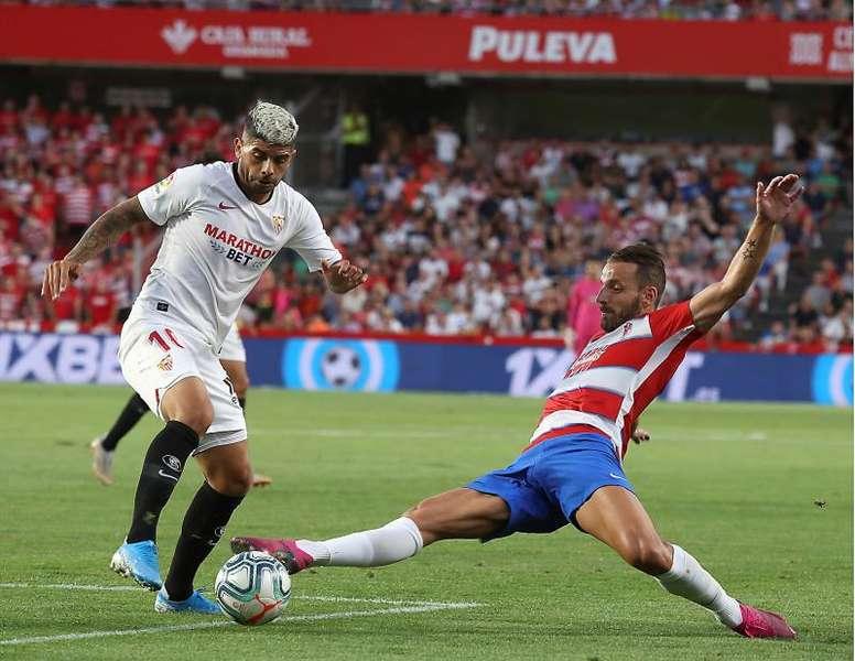 Banega sigue haciendo historia en el Sevilla. EFE