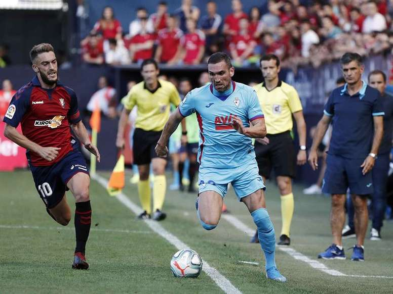Osasuna ya se entrena tras el empate en El Sadar. EFE
