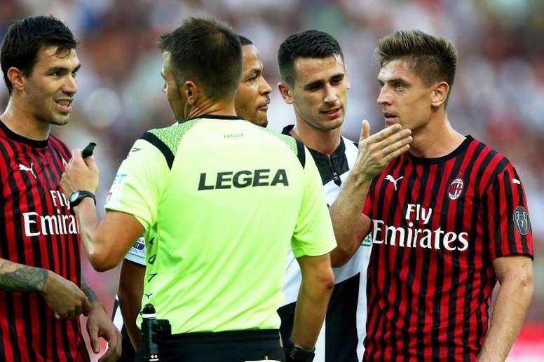 El Milan dio la cara, pero se volvió a casa sin estrenar su casillero. EFE