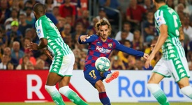 Griezmann tuvo un estreno acorde a su calidad en partido oficial en el Camp Nou. EFE