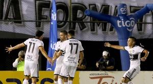 Olimpia adelanta a Libertad en la tabla del Clausura. EFE