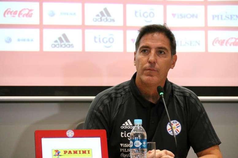 Berizzo lamentó la derrota ante Serbia. EFE