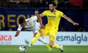 Casemiro (L) saw yellow in Villarreal, but it has now been rescinded. EFE