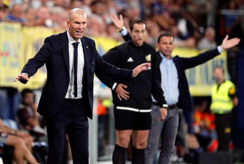 A briga entre Zidane e os números. EFE/Juan Carlos Cárdenas