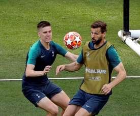 Spurs have offered them to Milan. EFE