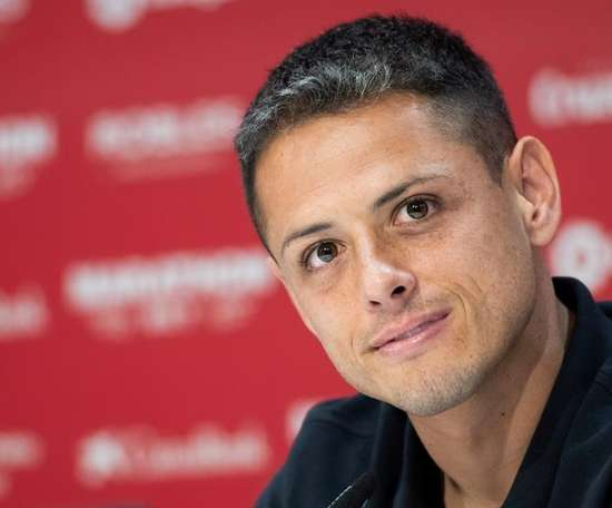 Chicharito spoke about his new signing with Sevilla. EFE