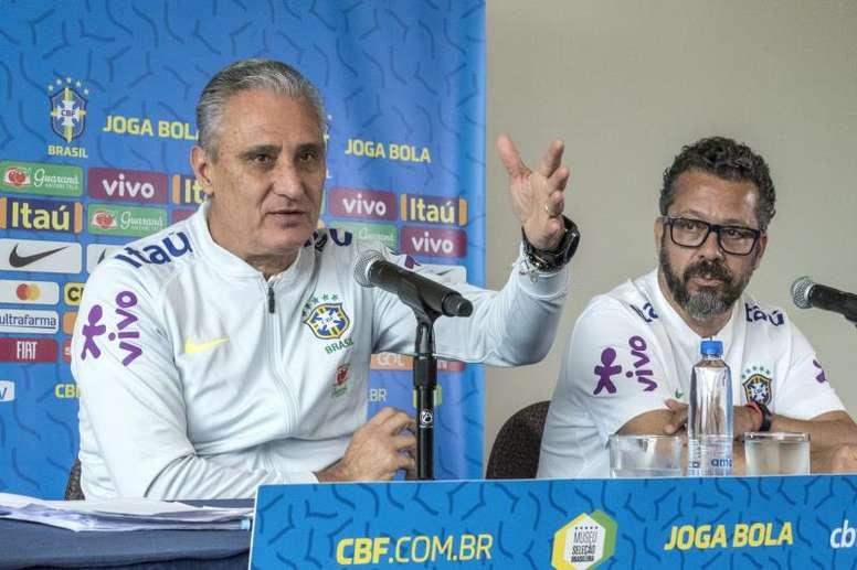 O cronograma de técnico, auxiliares e analistas de desempenho envolve 26 partidas. EFE/Giorgio Viera