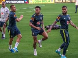Encontro de Arthur com Neymar causa indignação no Barcelona. EFE/Giorgio Viera