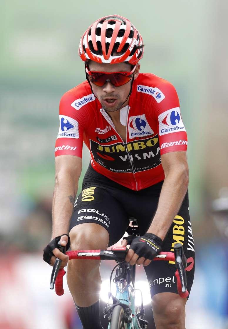 El ciclista esloveno del equipo Jumbo-Visma y líder de la clasificación general de la vUELTA A eSPAÑA, Primo? Roglic. EFE/Javier Lizón