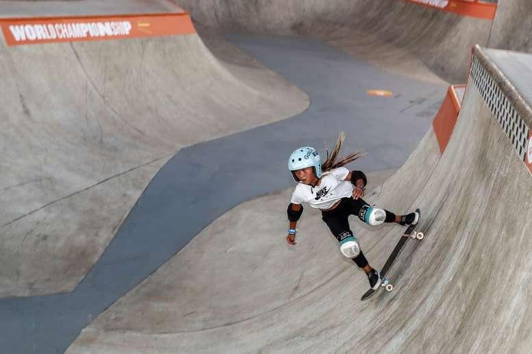 La británica Sky Brown participa en un entrenamiento este martes, antes de competir en el Campeonato Mundial de Skate en la modalidad park, en el Parque Cándido Portinari, en la ciudad de Sao Paulo (Brasil). EFE/Sebastião Moreira