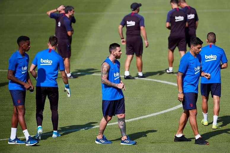 Retour de Messi à l'entraînement, une lueur avant Dortmund. EFE