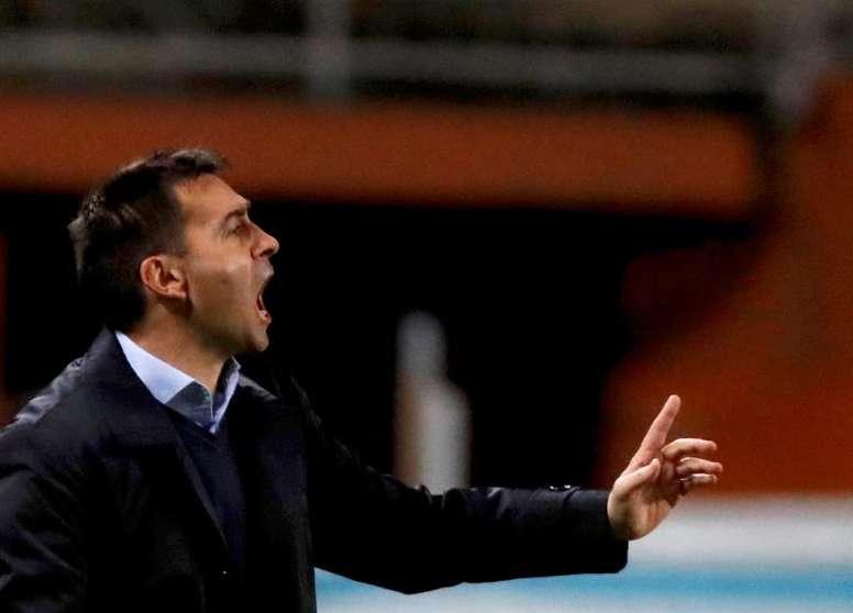 Garitano espera que su equipo aproveche las ocasiones que tenga en casa del Athletic. EFE