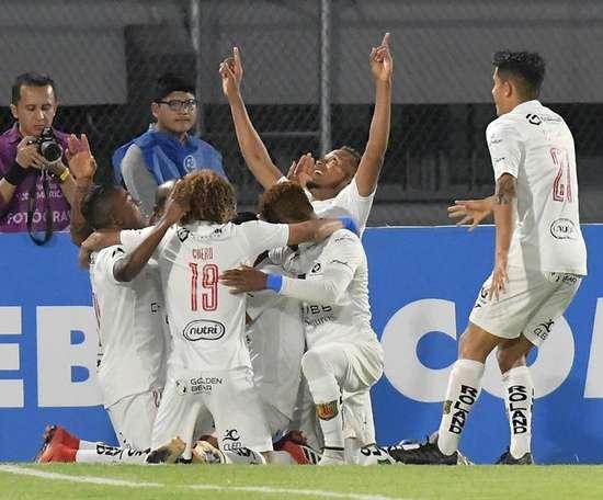 Deportivo Cuenca no tiene piedad del colista. EFE/Jorge Abrego/Archivo