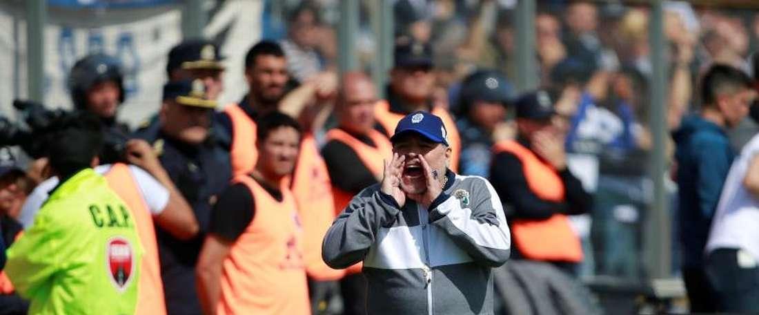 Maradona vive vitória em estreia como técnico. EFE/Demian Alday Estévez