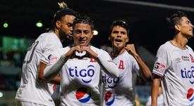 Alianza ganó en el 90' a Isidro Metapán. EFE