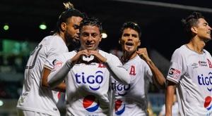 Chalatenango le saca los colores a Olimpia. EFE/ Eliecer Aizprúa Banfield/Archivo
