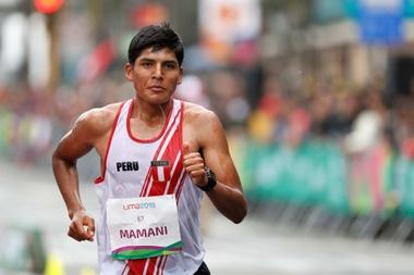 En la imagen un registro del marchista José Carlos Mamani, uno de los tres atletas que representarán a Perú en los Mundiales de atletismo de Doha, que se disputarán del 27 de septiembre al 6 de octubre próximos. EFE/Paolo Aguilar/Archivo
