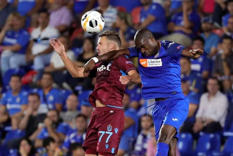 La UEFA sanciona al Estrella Roja y al Trabzonspor. EFE