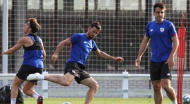 El Athletic entrenó tras la derrota en Balaídos. EFE
