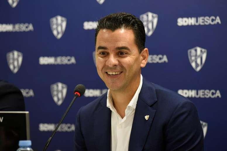 El Huesca se enfrenta al Racing. EFE