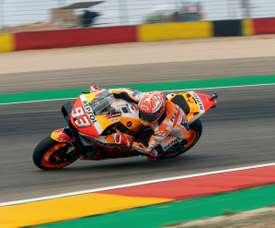 El piloto de MotoGP Marc Márquez, durante la primera jornada de entrenamientos del Gran Premio de Aragón de MotoGP en el circuito Motorland de Alcañiz, en el que este fin de semana se disputa el Gran Premio de Aragón- EFE/Antonio García