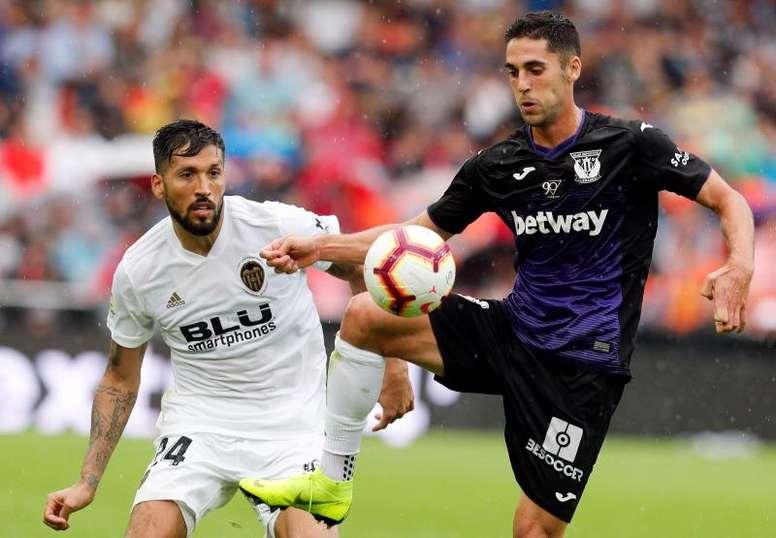 En Portugal aseguran que el Benfica va a por Garay. EFE