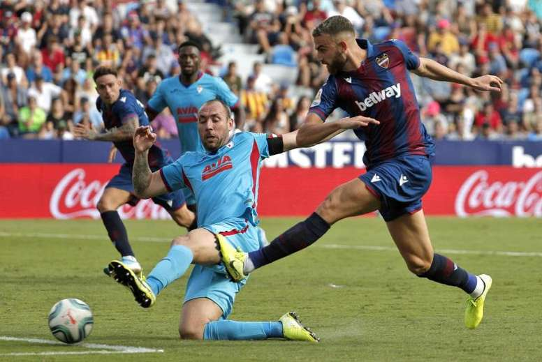 Levante y Eibar empataron en el Ciutat de València. EFE