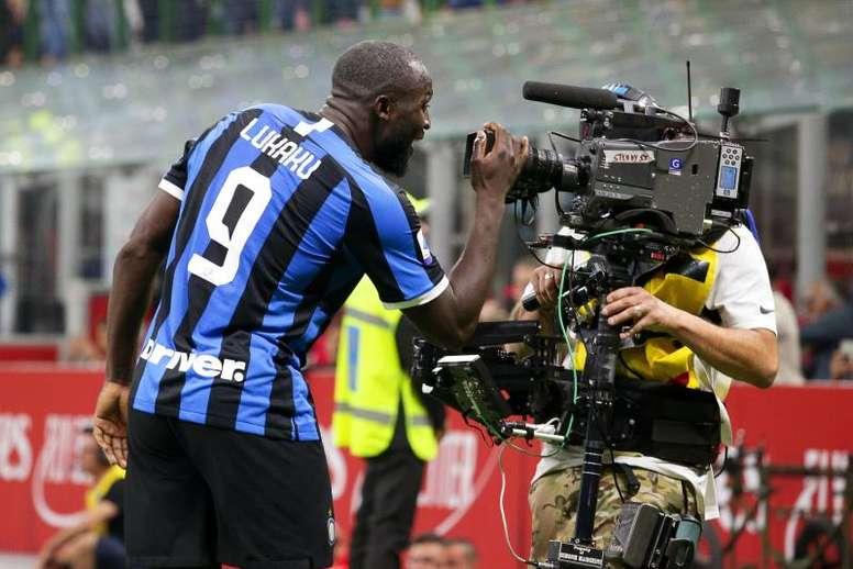 El Inter le gana 0-2 al Milan. EFE