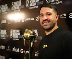 El jugador de baloncesto venezolano Greivis Vásquez posa durante una entrevista con Efe el 18 de septiembre de 2019, en Montevideo (Uruguay). EFE/Raúl Martínez