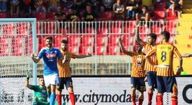 Llorente y Fabián guiaron al Nápoles en Lecce. EFE