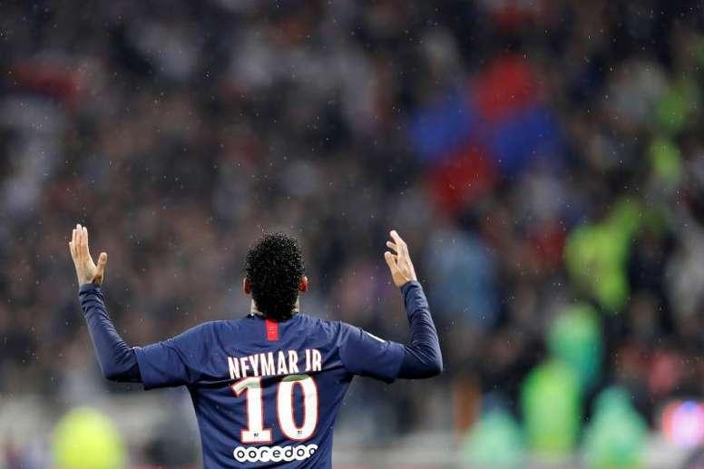 El Lyon pasó página, evitó cometer errores, pero apareció Neymar. AFP