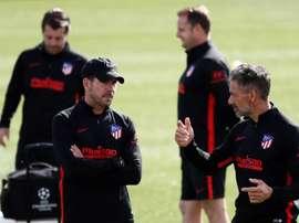 Simeone treinou os colchoneros com desfalques. EFE/Mariscal