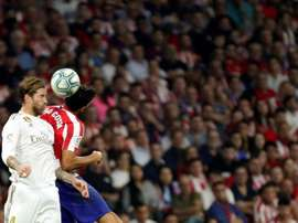Atletico cannot understand why Ramos (L) was not punished for insulting the linesman. EFE
