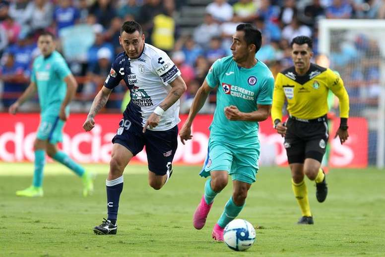 Sambueza milita actualmente en Pachuca. EFE/David Martinez Pelcastre