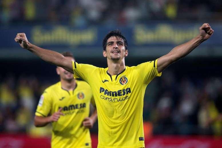 Gerard Moreno y el Espanyol cruzaron gestos de cariño. EFE/Domenech Castello
