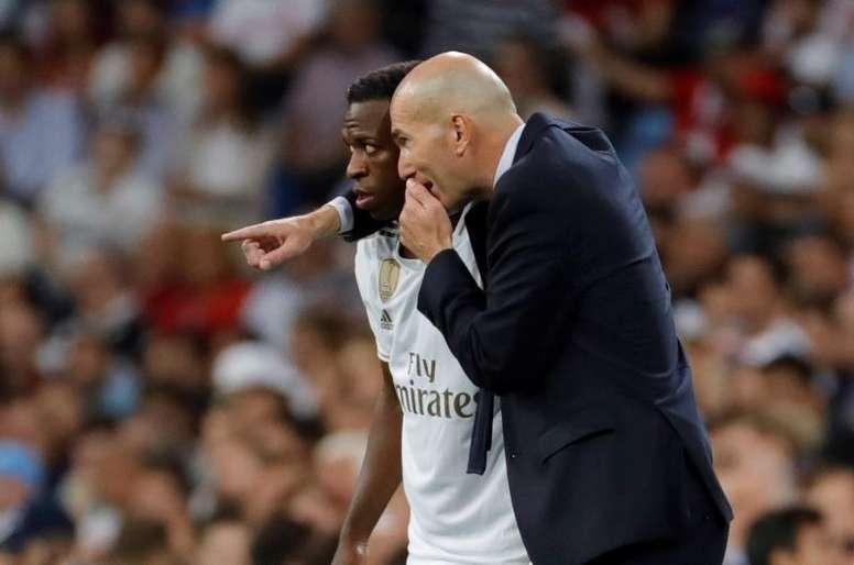 Vinicius joue moins avec Zidane sur le banc - BeSoccer