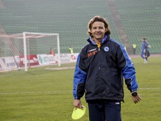 Elvir Baljic, ex del Madrid, al mano del Tuzla City. EFE