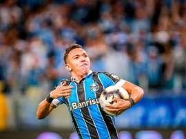 Espanhóis estariam interessados em Pepê, atacante do Grêmio. EFE/Silvio Ávila
