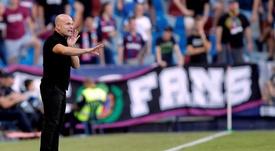 Paco López lamentó los errores propios en la remontada del Valencia. EFE