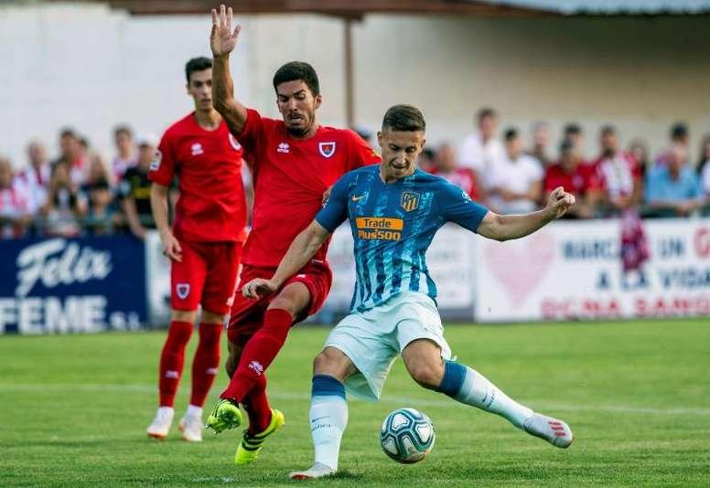Simeone se lleva a Saponjic a Leverkusen. EFE/Archivo